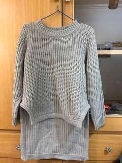 🚚 灰色 前短後長 毛衣