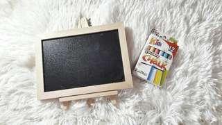 Memo board with chalk set