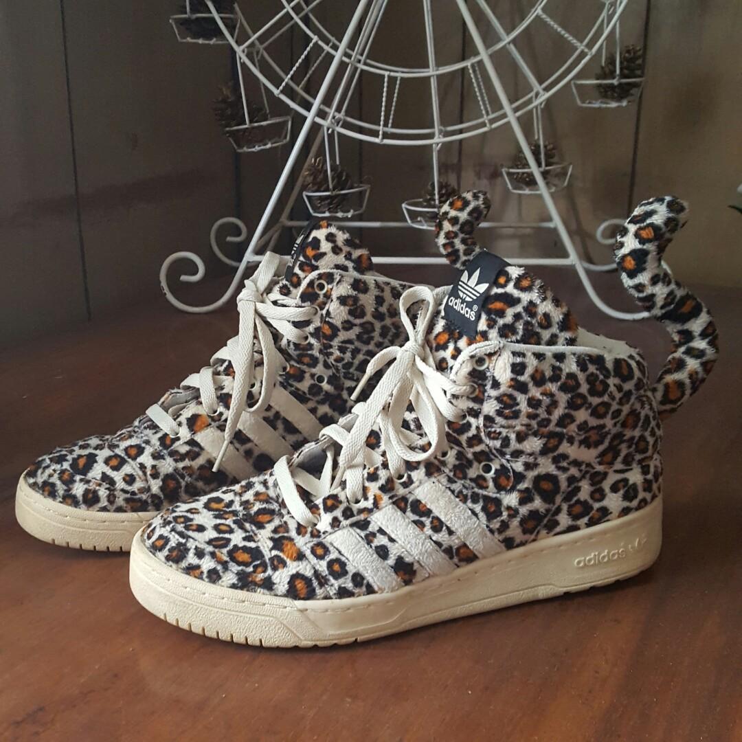 premium selection a2634 f1ec4 Adidas x Jeremy Scott Leopard, Men s Fashion, Footwear, Sneakers on ...