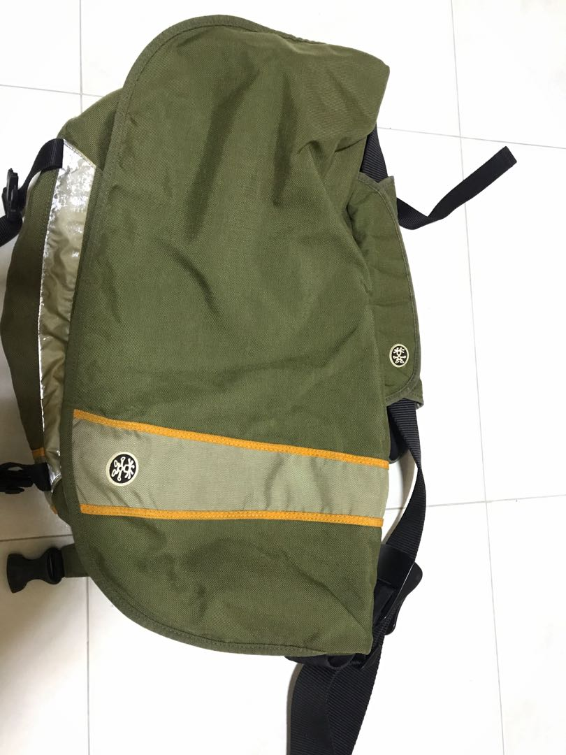 f4586678d0 Crumpler Bag - Fux Deluxe (Green)