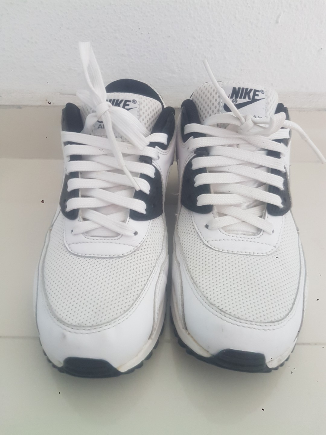c82300a924 US8.5 Nike Air Max, Men's Fashion, Footwear, Others on Carousell