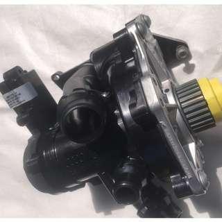 VAG Original Refurbished 水泵 連 水膽