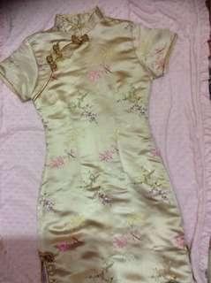 Cheongsam gold dress