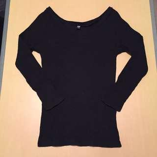 UNIQLO Ribbed V-neck Top
