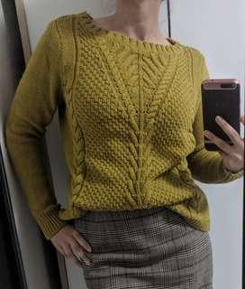 Banana Republic chunky cable knit sweater