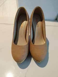 Therapy Ladies Heels