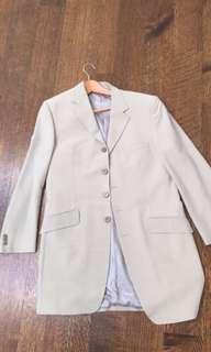 White notch lapel suit jacket