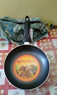 TEFLON SUPRA FRY PAN 22CM