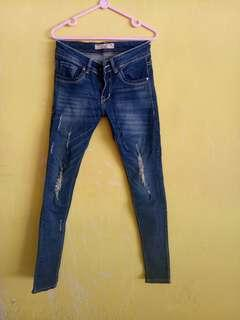 Ripped jeans celana sobek hijab