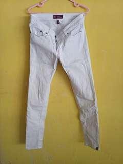 Celana jeans putih white