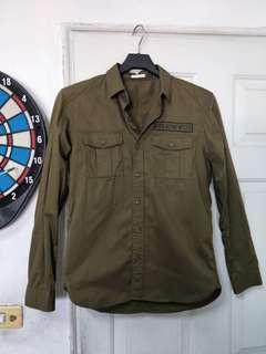 🚚 GU軍裝襯衫,S號,很新