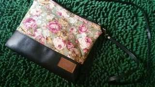 Tas kecil selempang/sling bag kotak
