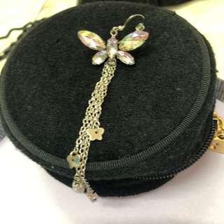 🚚 蝴蝶🦋垂墜單隻造型耳環 耳針