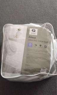 Fitted queen electric blanket