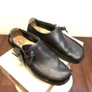 🚚 Clarks Originals lugger