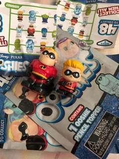BN ooshies figurine - mr incredible and dash