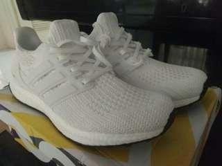 *Ultra boost 4.0 core white