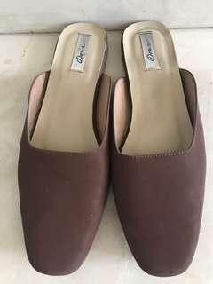 Preloved Deux flat shoes