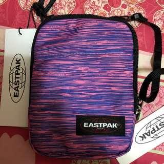 全新Eastpak斜孭小袋