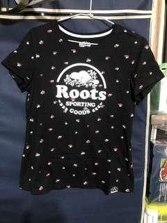 🚚 Roots 小碎花黑色上衣