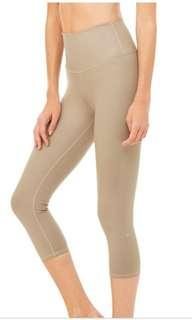 Like New ALO YOGA High Waist Airbrush Capri Legging in Gravel - XS