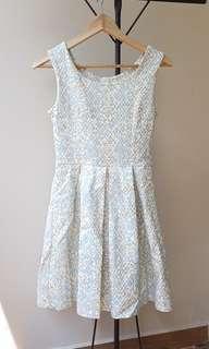 🚚 Baroque Dress