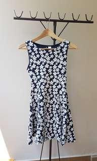 🚚 Divided H&M Floral Dress