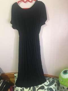 🚚 黑色背交叉肩帶長洋裝