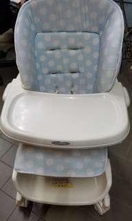 BB餐椅和床