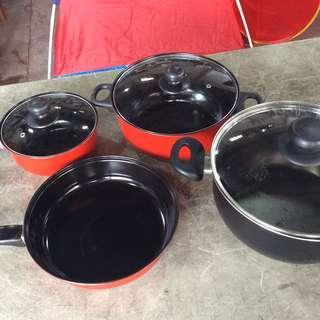 4 Pots Set