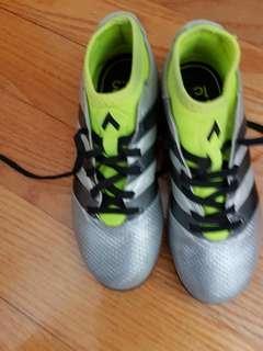 Adidas football shoes, EU33, CN210