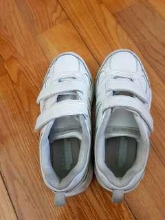 skechers white sport shoes PE shoes EU 33, 210
