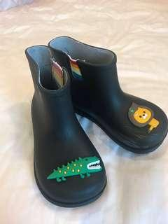 Crocodile vs Lion rain boots