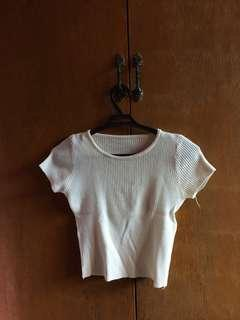 White crop top knitted