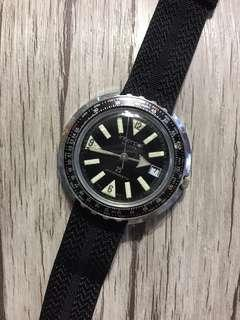 Interpol DE LUXE Diver Date Winding Watch