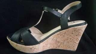 Bata Insolia - Leather Wedges