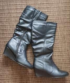 Black Leather Wedge Boots Sz 6