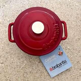 Small cute iron caster bakeware