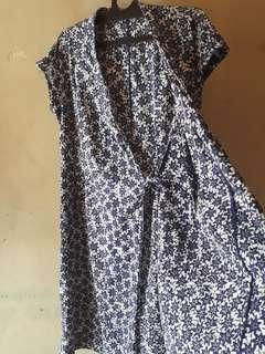 Dress (outerwear)