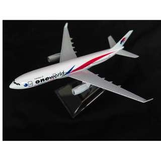Malaysia Airlines One World Edition Airbus A330 / Model Aeroplane / Airplane / Diecast model