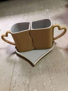 Couple mugs with tray