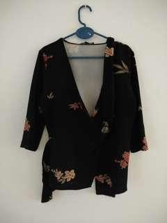 Blouse bunga model kimono