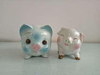 70s set of two pig coin bank perfect $18
