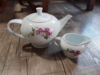 Teapot and milk jug