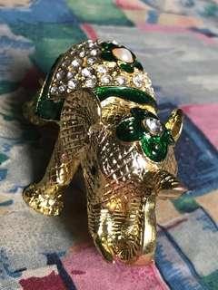 Fengshui crystal green elephant 9 cm