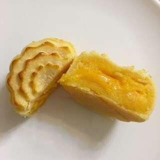 <自家製>香滑流心奶皇月餅4個(附包裝)