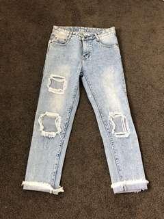 Mid rise vintage look jeans