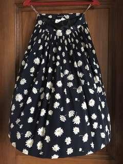 Beautiful Navy w Daisy Print Below-knee Pleated Skirt BNWOT