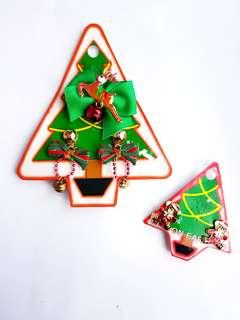 🆕️Christmas themed earrings