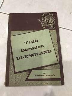 Vintage Book: Tiga Beradek